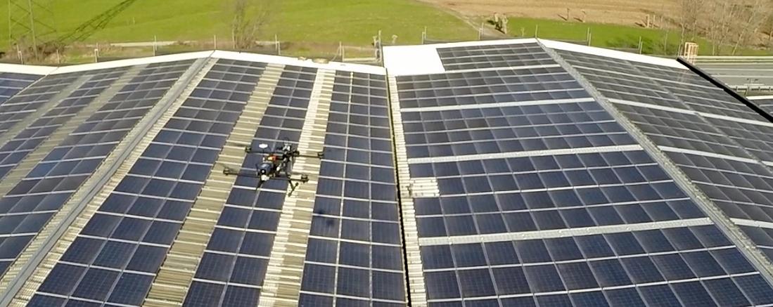 manutenzione_fotovoltaioco_drone